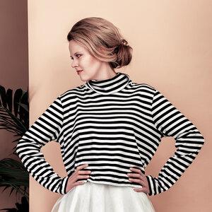 Kurzer Rolli mit Streifen  - SinWeaver alternative fashion