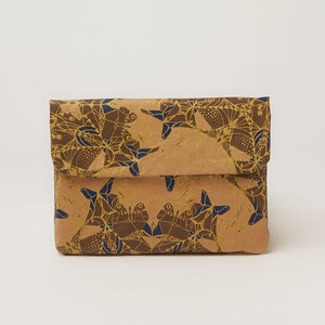 iPad Mini Hülle oder Clutch | Indigo & gold moths - The Wren Design