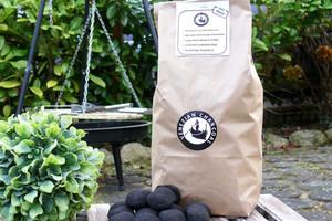 Holzkohle aus Olivenkernen 3 kg - Olivenholz erleben