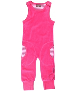 Baby-Playsuit Latzhose aus Kuschel-Nicki pink 62/68 - maxomorra