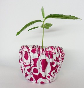 Blumentopf aus Stoff, Pink Loops, Upcycling von Leesha - Leesha