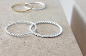 Fein geflochtener Ring aus 925er Sterling Silber - LUXAA