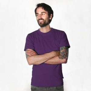 Fairtrademerch Men's Organic T-Shirt (purple) - Fairtrademerch