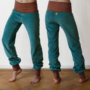 Wohlfühl und Yogahose in seagreen mit gestreiften Bündchen - Cmig