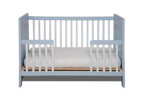 Design Babybett KIKO - massive Buche inkl. Matratze und Kojenseite *EINZELSTÜCK* - bosnanova