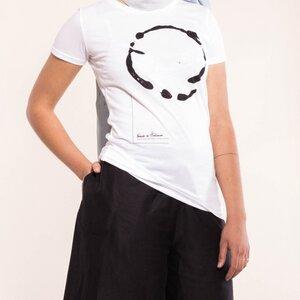 tailliertes T-Shirt mit Print - Natascha von Hirschhausen