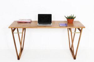 Arbeitstisch im Nusston, Tisch aus europäischem Buchenholz  - Hardman Design & Build
