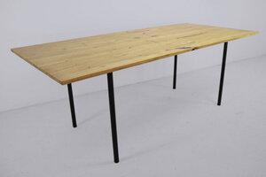 Esstisch aus dünnem Akazienholz auf Hardman-Design & Build - Hardman Design & Build