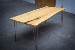 geräumiger Esstisch aus Akazienholz, industrielles Möbelstück - Hardman Design & Build