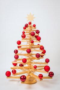Holzweihnachtsbaum (100cm) mit Kugeln und Licht - Mia Vico