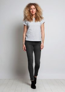 Skinny Lilly - Stone Black - Mud Jeans