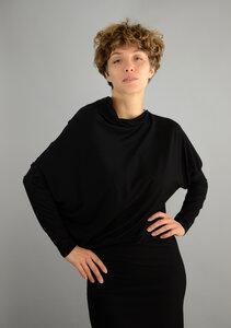 Schwarzes asymmetrisches Kleid Jacki aus einer oekotex Viskose - ManduTrap