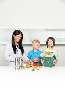 BIOMAT® Starterpaket (kompostierbare Bioabfallbeutel & Sammelbehälter) - bioMat