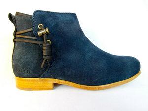 Rosewood Blue Suede Schue mit Ledersohle - ekn footwear