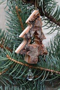"""Weihnachtsschmuck """"Rührende Rindenanhänger"""" mit einem Kristall  - Dolfi"""