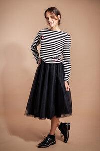 Streifenshirt in schwarz-weiß mit Aufnähern  - SinWeaver alternative fashion
