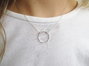 Open Hammered Circle Pendant Necklace - Wild Fawn Jewellery