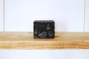 Schmuckschachtel mit 100% Biobaumwolle, 'Butterfly Black' - Biostoffe Berlin by Julie Cocon