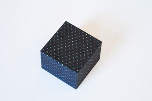 Schmuckschachtel mit Punktepapier bezogen - Biostoffe Berlin by Julie Cocon