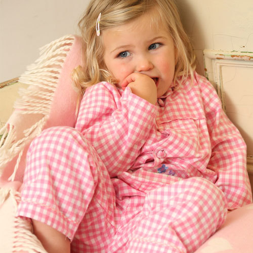 piccalilly m dchen pyjama flanell rosa kariert avocadostore. Black Bedroom Furniture Sets. Home Design Ideas