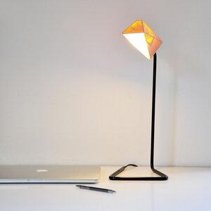 Tischleuchte S4 aus Holz - einzigartiges Licht - ALMLEUCHTEN