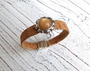 Armband Damen aus Kork breit vegan in natur beige mit Zamak Blume - Charme-charmant