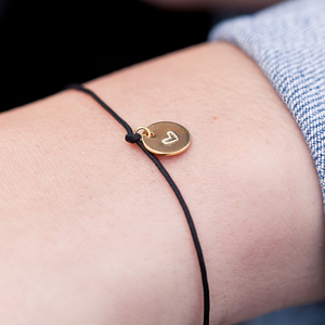 Nylonarmband mit handgeprägtem Herz-Plättchen, recyceltes 925er Sterlingsilber - Oh Bracelet Berlin