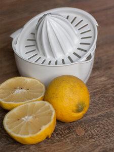 Zitronenpresse aus Biokunststoff - Biodora