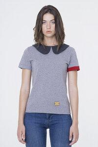 Julie - T-Shirt mit süßen Kragen.  - Fabbrikka