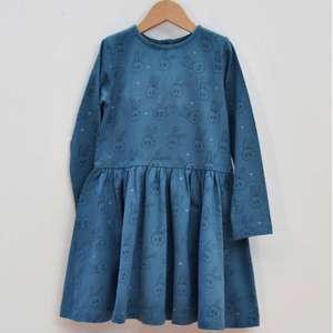 Mädchenkleid blau Häschen GOTS - La Queue Du Chat