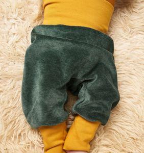 Babypumphose 'Nicki Dunkelgrün/Senf' aus 100% Bio-Baumwolle - Cheeky Apple