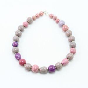 Collier 'Pink Pill', Kazuri-Keramikperlen, handgeformt und -bemalt - steinfarben