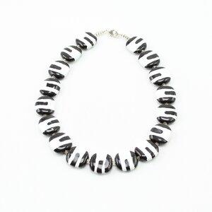 Collier 'Zebra', Kazuri-Keramikperlen, handgeformt und -bemalt - Kazuri