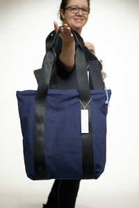 kısmet Shoppertasche mit Reißverschluss, Canvas Blau, upcycling&bio  - diejuju