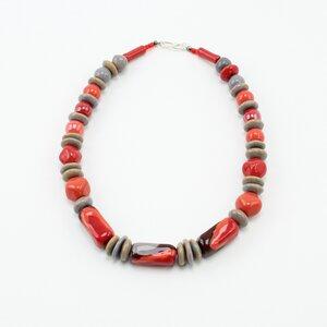 Collier 'Paprika', Kazuri-Keramikperlen, handgeformt und -bemalt - steinfarben