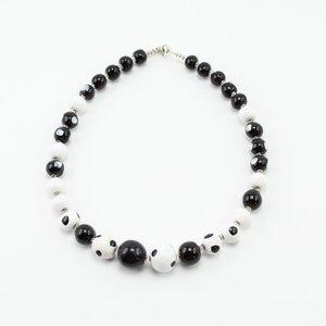 Collier 'Panda I', Kazuri-Keramikperlen, handgeformt und -bemalt - steinfarben