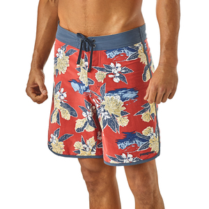 M's Scallop Hem Stretch Wavefarer Boardshorts - 18 - rot/flower - Patagonia