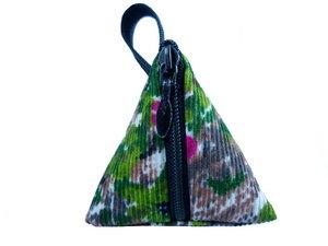 Schlüsselanhänger-Tasche Grüntuff, Upcycling von Leesha - Leesha