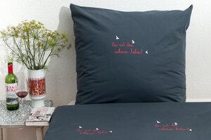 Bio-Kissenbezug 'her mit dem schönen leben!' dunkelgrau 80*80 cm - Hirschkind