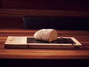 Designer Schneidebrett aus Zirben Holz 46x26 cm - 'Kitchenboard' - 4betterdays
