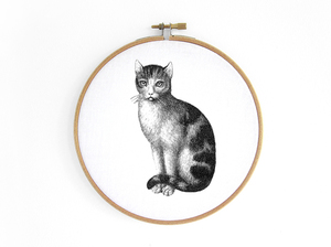Katze im Stickrahmen - renna deluxe