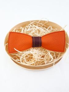 Fliege aus Leder orange mit dunkelrotem Steg!   - Süßstoff