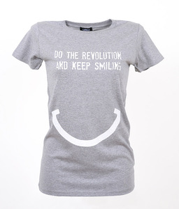 DO THE REVOLUTION AND KEEP SMILING - Frauen T-Shirt - Lena Schokolade