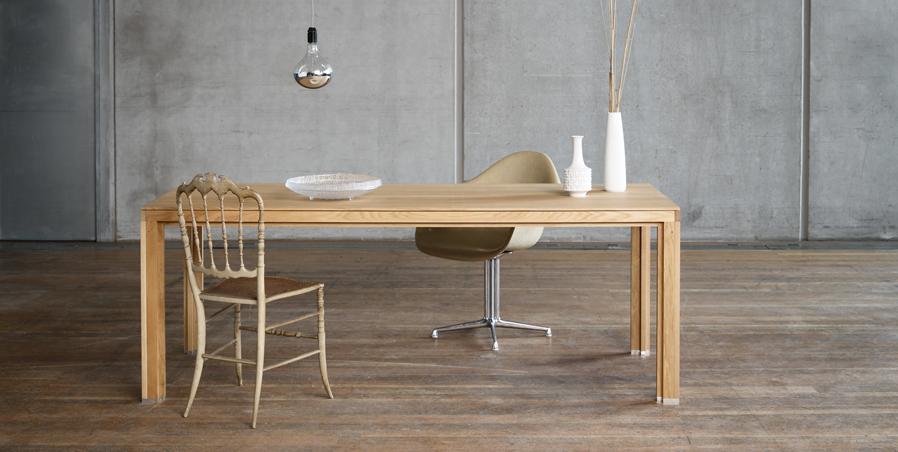 gro e tafel aus eichenholz im alvari design eiche aus der schorfheide in brandenburg fertigung. Black Bedroom Furniture Sets. Home Design Ideas