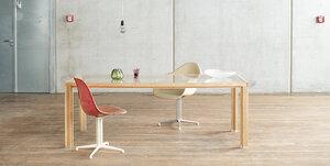 Großer Tisch / Tafel aus Eichen-Vollholz mit Glasplatte im alvari-Design - alvari