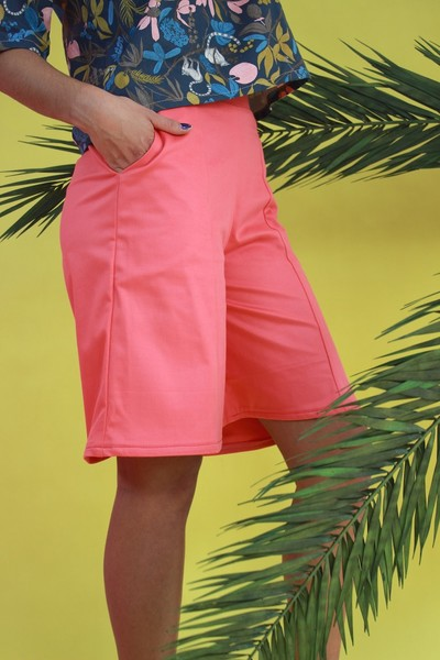 mandutrap damen culotte ava knielange hose in coral avocadostore. Black Bedroom Furniture Sets. Home Design Ideas