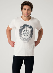 T-Shirt aus Bio Baumwolle mit V-Ausschnitt und Print - ORGANICATION