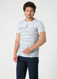 Raw-edge T-Shirt aus Bio Baumwolle mit Line Print - ORGANICATION