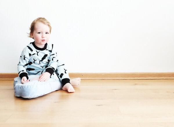 Larkwood Baby//Kleinkind Cotton Interlock Langarm Integral Schlafanzug