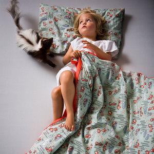 Verliebte Stinktiere - Kinderbettwäsche 100 % Biobaumwolle Green Lily - Schön, oder?